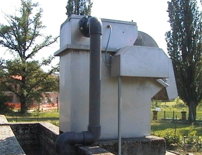 Drum filter installed on a concrete tank